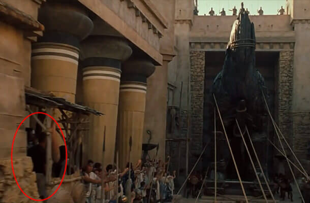 Crew Visible Mistakes Made By Professional Filmmakers During Shooting5